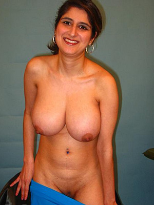 Mature mom loves cock